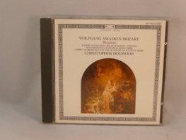 Mozart - Requiem / Christopher Hogwood