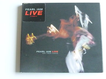 Pearl Jam - Live / on Two legs