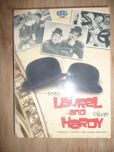 Laurel & Hardy - 3 DVD Box( o.a. flying deuces)