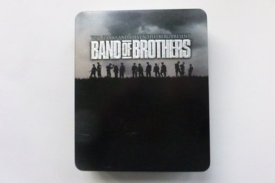 Band of Brothers - 6 DVD Box / Blu-Ray