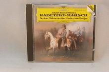 Johann & Josef Strauss - Radetzky Marsch / Herbert von Karajan